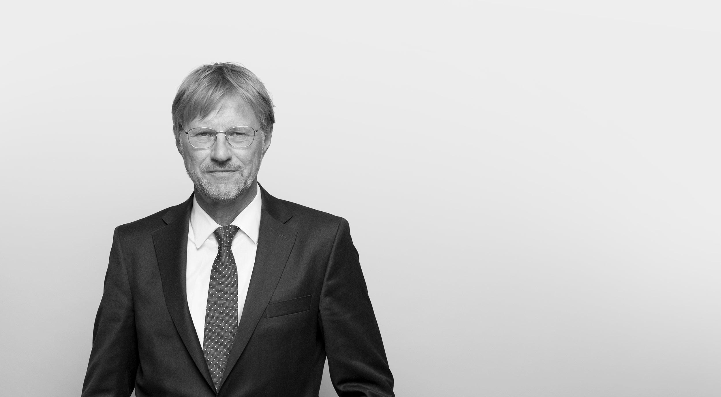 Dr. Torsten Lund