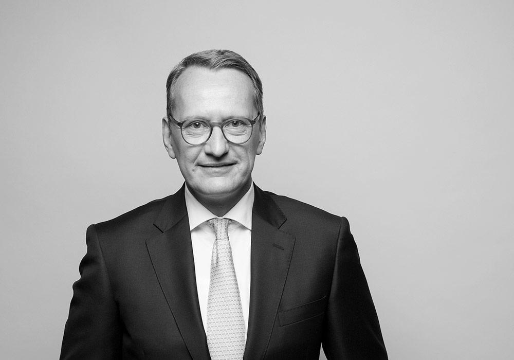 Dr. Lars Reese