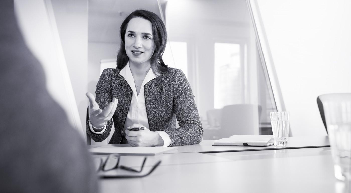 Beraterin im Kundengespräch